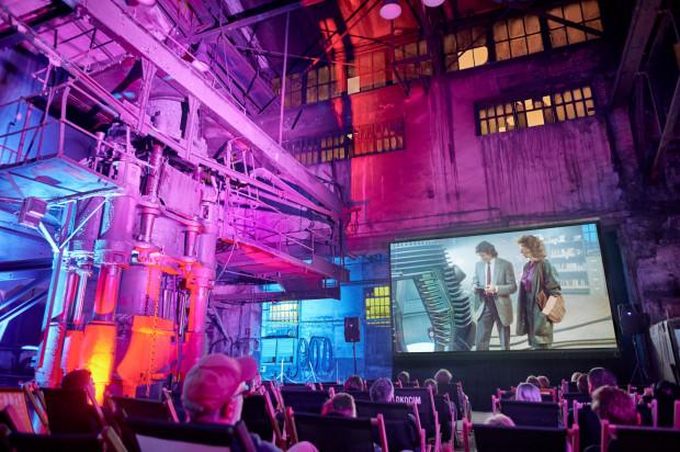 Podczas czwartej edycji Octopus Film Festival publiczność oglądała filmy m.in. w B90, Multikinie, Plenum, ale także w specjalnym namiocie sferycznym czy w sąsiedztwie gdańskiej elektrociepłowni.