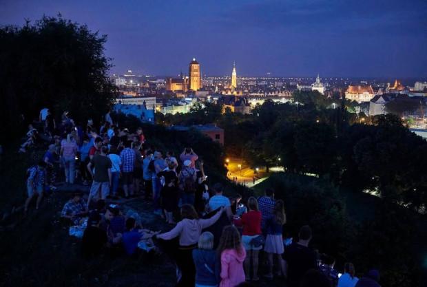 Co roku w sierpniu w okolicach Góry Gradowej zbierają się miłośnicy obserwacji nocnego nieba.