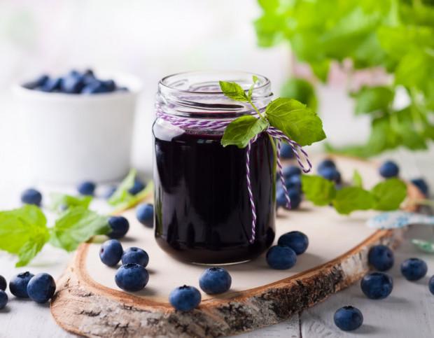Napary i soki z jagód są pomocne m.in. przy problemach żołądkowych i biegunkach.