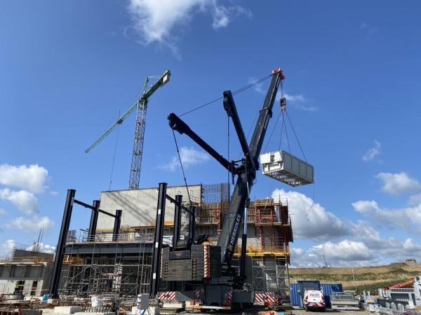 Do montaż rusztu trzeba było użyć dźwigu o unosie 500 ton.