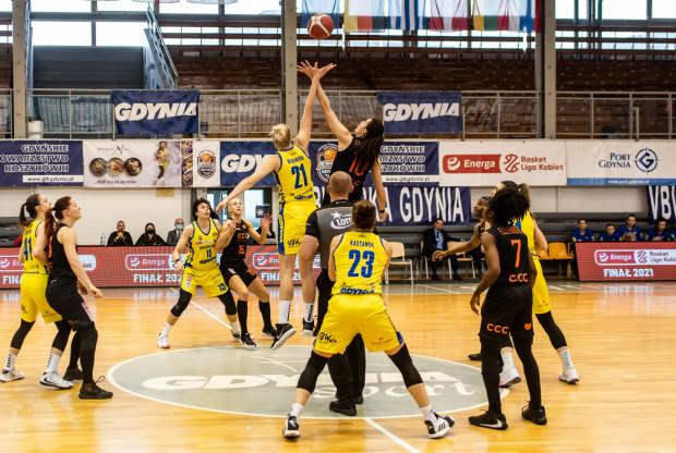 Inauguracja Energa Basket Ligi Kobiet zostanie poprzedzona meczem o Superpuchar Polski. W Poznaniu powalczą o niego: VBW Arka Gdynia i BC Polkowice.