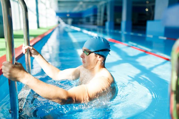 Miejskie pływalnie cieszą się popularnością. Często brakuje wolnych miejsc. Budowa kolejnych basenów może rozwiązać ten problem.