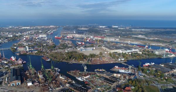 Wyspa Ostrów - jedna z najstarszych wysp w Gdańsku, której przeznaczenie przez lata się zmieniało. Obecnie centrum produkcji stoczniowej.
