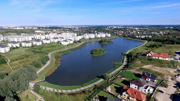 Wysepki na zbiorniku Świętokrzyska II, największym w Gdańsku.