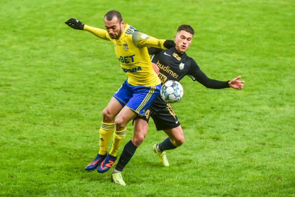 Arka Gdynia próbuje zmienić tabelę wszech czasów na zapleczu ekstraklasy, a Marcus zostać samodzielnym liderem klasyfikacji najlepszych snajperów w historii żółto-niebieskich.