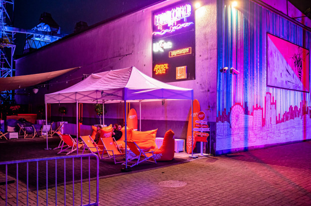 Impreza Acid Orange Crew showcase rozpocznie się w przestrzeni Podwórko Art, a następnie ciężkie bity techno usłyszymy w klubie Ucho.