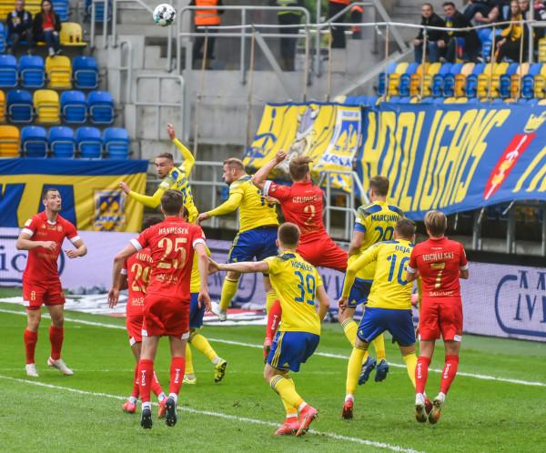 Czy po kolejnym meczu z Widzewem Łódź odwróci się karta w grach Arki Gdynia przed własną publicznością?