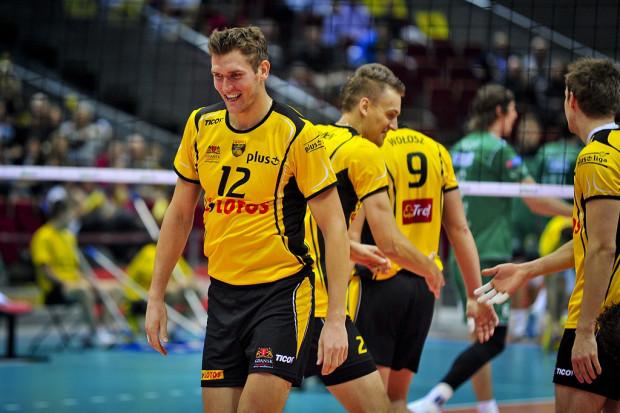 Waldemar Świrydowicz (nr 12) liczy, że po meczu z Fartem będzie mógł zejść do szatni z uśmiechem na ustach.