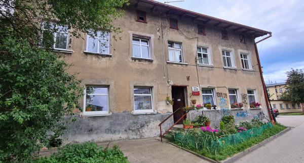 Kamienica przy ul. Waryńskiego 22A. Z dokumentów wynika, że instalacja elektryczna była tu remontowana dwukrotnie.
