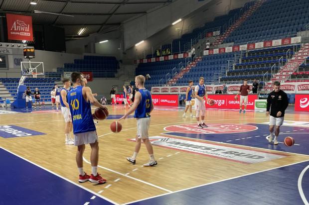 Koszykarze Asseco Arki Gdynia rozpoczęli sparing z Anwilem Włocławek od wygranej kwarty, ale ostatecznie przegrali różnicą 10 pkt.