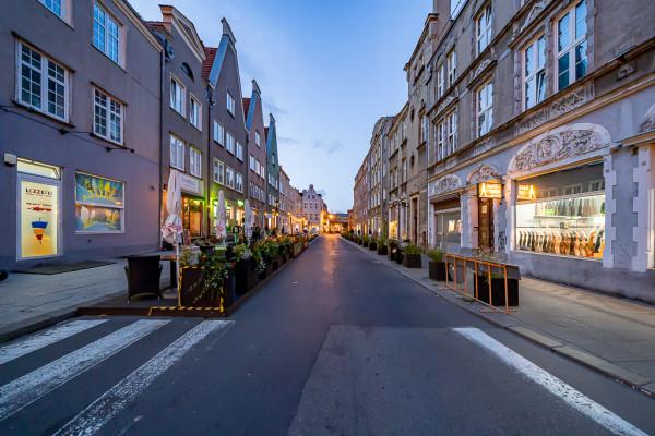 Dzisiaj obie ulice Pańska i Węglarska pozbawione są zieleni poza donicami. W ramach przebudowy nie planuje się tego zmieniać, choć to najlepsza okazja na takie zmiany.