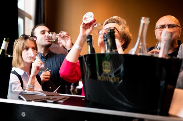 3 City Wine Fest to okazja do tego, by w jednym miejscu spotkać wielu znawców wina, zadawać im pytania, dzielić się spostrzeżeniami i poszerzać swoją wiedzę.