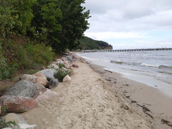 Nasz czytelnik alarmuje, że niebawem już nic nie zostanie z plaży w Orłowie.
