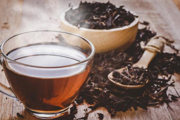 Różne gatunki herbat charakteryzują się nie tylko innym kolorem suszu, ale także zapachem, smakiem i właściwościami.
