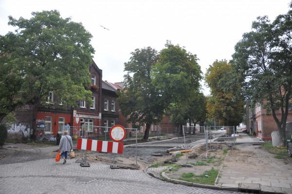 Prace na Wilków Morskich doszły już do skrzyżowania z ul. Strajku Dokerów.