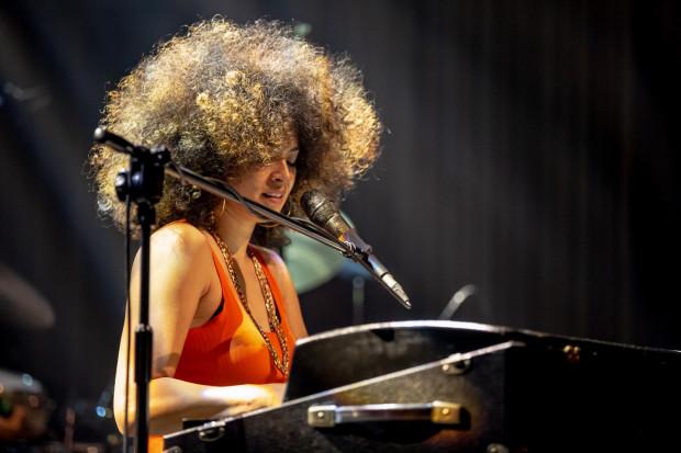 Gdańsk Lotos Siesta Festival odbędzie się w dniach 2-5 września. Na zdjęciu: Kandace Springs podczas koncertu w Starym Maneżu w 2019 roku.