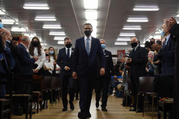 Uroczystości w Sali BHP. Bierze w nich udział premier Mateusz Morawiecki.