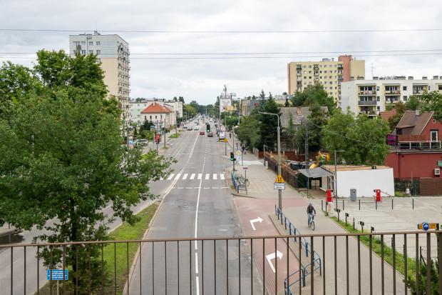 Trasa rowerowa na ul. Kołobrzeskiej powstanie w formie jednokierunkowych wydzielonych dróg rowerowych przy krawędzi jezdni.