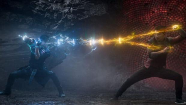 W nowym filmie Marvela tradycyjnie nie brakuje efektownych starć i porażających efektów, choć w finałowej scenie nadmiar CGI zdecydowanie szkodzi widowisku i samej fabule.