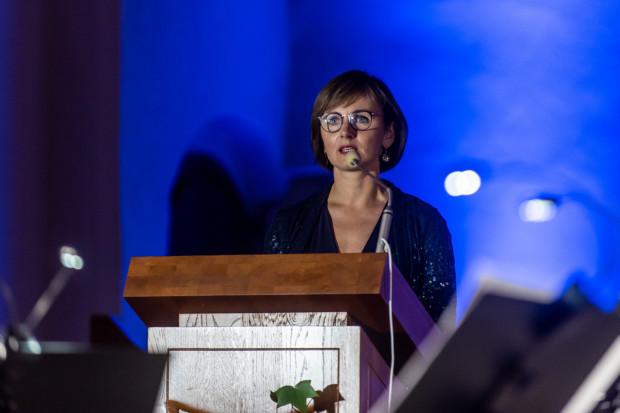 Publiczność powitała prof. Alina Ratkowska, inicjatorka i dyrektor Festiwalu Goldbergowskiego.