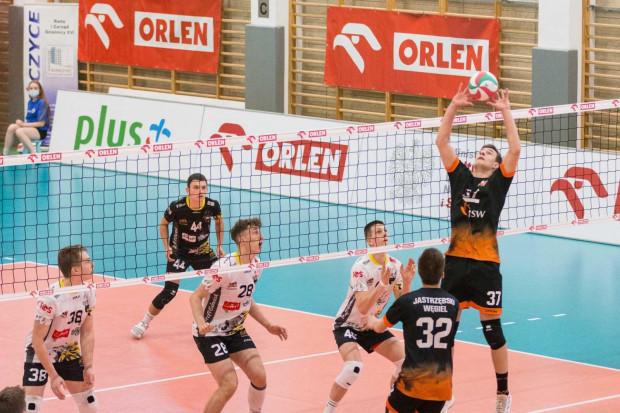 Bartłomiej Potrykus (nr 40) gra dla Trefla Gdańsk od IV klasy podstawowej. W właśnie w tym zespole chciałby zadebiutować w PlusLidze.