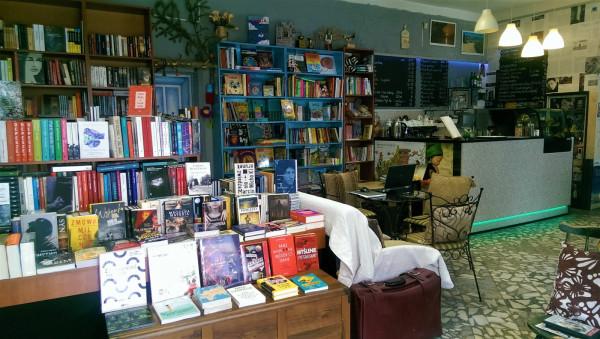 Vademecum to gdyńska kawiarnia literacka, galeria sztuki, miejsce spotkań, wykładów i warsztatów oraz fanów gier.