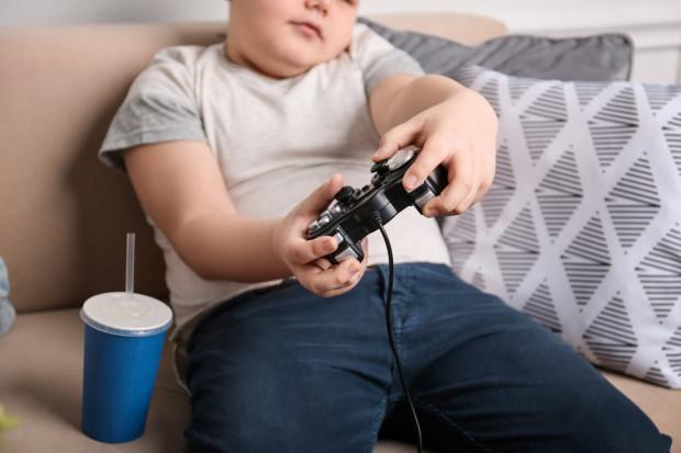 Niestety bardzo często zbyt duża waga postrzegana jest przez rodziców czy dziadków jedynie w kategoriach wyglądu. Jednak nadwaga i otyłość prowadzą do wielu poważnych chorób.