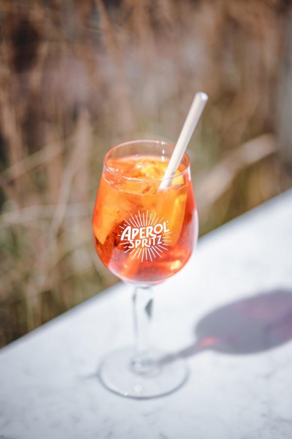 We wtorki wypijemy Aperol Spritz w cenie 15 zł m.in. w restauracji Serio.