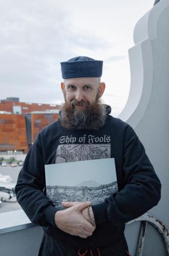 """- Gdy w 2013 roku oddawałem """"Stocznię"""" do druku, miałem jasny cel: chciałem, by jako pierwsze ogólnie dostępne opracowanie zabytkoznawcze przyczyniła się do zmian prawa w zakresie ochrony zabytków dawnej Stoczni Gdańskiej - mówi Michał Szlaga."""