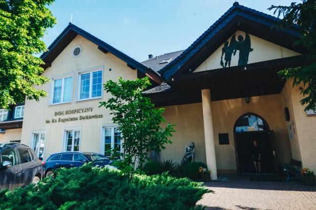 Hospicjum powstało w 1983 r. Jego założycielem i pomysłodawcą był ks. Eugeniusz Dutkiewicz, który jako pierwszy w kraju stworzył domową opiekę hospicyjną.