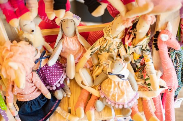 Podczas Bakalii nie zabrakło też propozycji dla najmłodszych - w ofercie wystawców można było znaleźć książeczki oraz ręcznie robione zabawki.