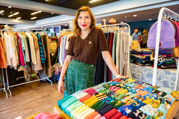 Dobrej jakości tkaniny, ciekawe fasony oraz odzież używana - tak, w dużym skrócie, prezentowała się Bakaliowa oferta odzieżowa.