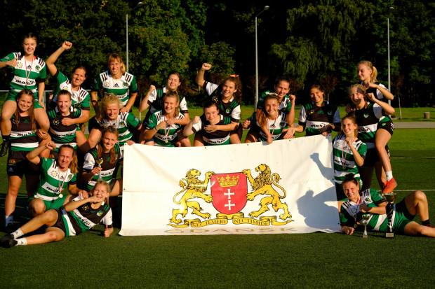 Biało-Zielone Ladies Gdańsk po zwycięstwie w turnieju w Rudzie Śląskiej, gdzie rozpoczął się cykl mistrzostw Polski w rugby kobiet sezonu 2021/22.