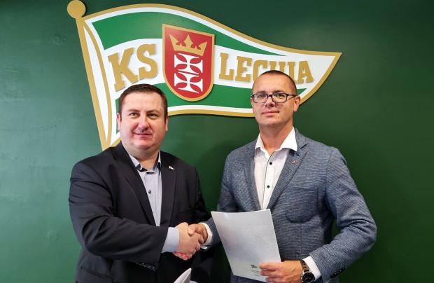 Paweł Żelem i Paweł Cięszczyk podpisali umowę o współpracy między Lechią Gdańsk a AWFiS Gdańsk.
