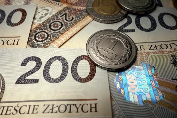 Płaca minimalna wzrośnie w 2022 roku o 210 zł brutto.