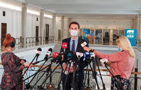 W środę w Sejmie poseł Płażyński poinformował, że chce, by CBA przyjrzało się transakcji związanej z wykupieniem SNG.