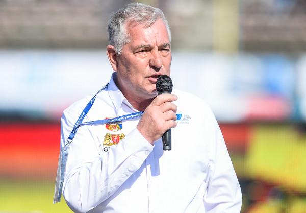 Tadeusz Zdunek (na zdjęciu) jest rozczarowany wynikiem żużlowców Wybrzeża, ale za porażkę nie obwinia menedżera. Eryk Jóźwiak pozostanie na stanowisku i zbuduje zespół na kolejny sezon.