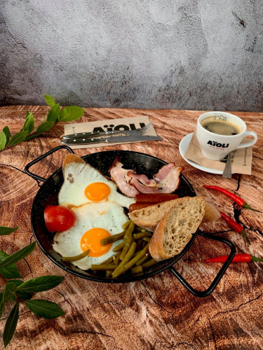 Od poniedziałku do piątku w Aioli za każdą śniadaniową pozycję do zamówionej kawy zapłacimy złotówkę.