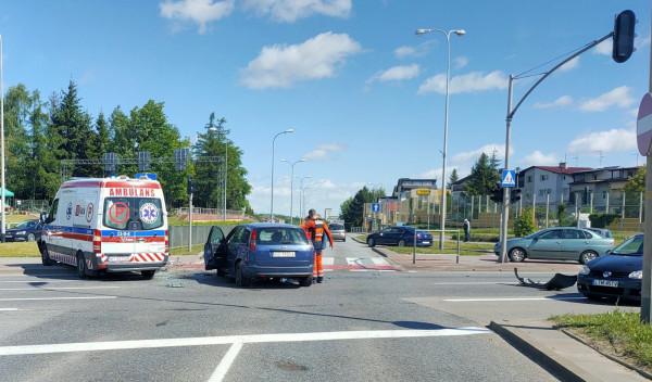 Stłuczka na skrzyżowaniu ul. Armii Krajowej i Łostowickiej potrafi sparaliżować tę część Gdańska.