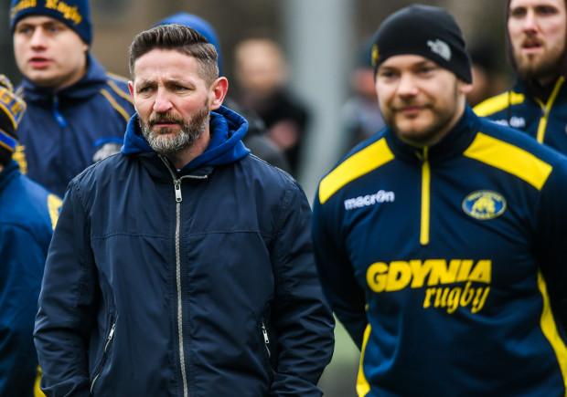 Rugby Club Arka Gdynia świętuje 25-lecie. Na zdjęciu współzałożyciel klubu i obecny trener Dariusz Komisarczuk (z lewej) oraz Daniel Bartkowiak, mający najdłuższy staż w drużynie z aktualnie grających w niej rugbistów.