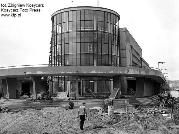 W połowie 1971 r. trwała budowa Oceanarium (tak się wówczas nazywało) na molo Południowym w Gdyni.