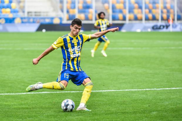 """Olaf Kobacki w dwóch meczach strzelił dla Arki Gdynia po dwa gole. Teraz młodzieżowcowi - jak sam mówi - marzy się """"hat-triczek""""."""