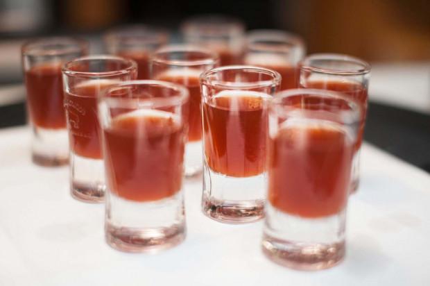 Alkohol, szczególnie spożywany w nadmiarze, nie bywa zbyt dobrym doradcą.