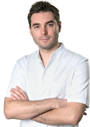 Dr n. med. Igor Michajłowski, specjalista dermatolog Clinica Dermatologica.