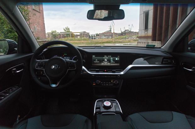 Wnętrze samochodu elektrycznego Kia e-Niro.