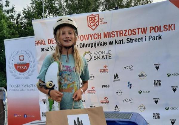 Marcela Dętkoś w sierpniu została wicemistrzynią Polski w jeździe na deskorolce w kategorii Park, choć była najmłodszą z pięciu finalistek.