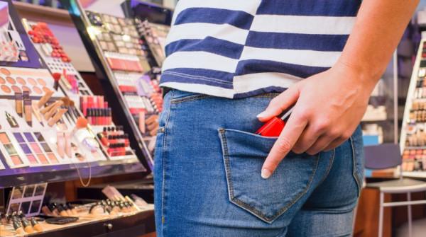 Obsługa nie może wyprosić klienta ze sklepu nawet w przypadku, gdy jest pewna, że nie raz już coś w nim ukradł.
