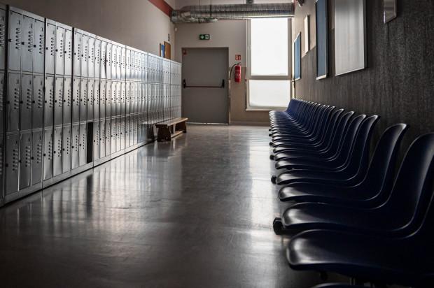 """Z początkiem października w gdyńskich szkołach wystartuje kampania przeciwdziałania depresji """"Dobrze, że jesteś"""". Potrwa do końca roku szkolnego."""