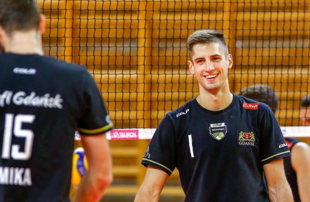 Moritz Reichert na pierwszym treningu Trefla Gdańsk po powrocie z mistrzostw Europy.