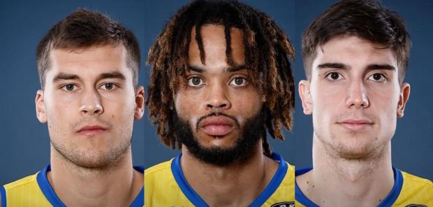 Asseco Arka Gdynia przedstawiła trzech nowych koszykarzy. To: David Czerapowicz (z lewej), Lamonte Turner (w środku) i Nikola Misković (z prawej).